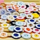 1000 stuks Plum bloeien hars 2 gaten vormknop accessoires naaien kleding Decor ambachten  willekeurige kleur  Diameter: 12.5mm