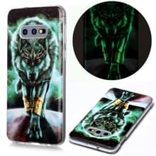 Voor Samsung Galaxy S10e Lichtgevende TPU Soft Protective Case (Woeste Wolf)