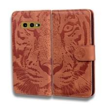 Voor Samsung Galaxy S10e Tiger Embossing Pattern Horizontale Flip Lederen Case met Holder & Card Slots & Wallet(Brown)