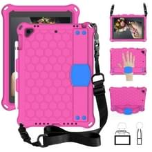 Voor iPad 9.7 2017/2018 Honeycomb Design EVA + PC Four Corner Anti Falling Flat Protective Shell With Straps (Rose Red+Blue)