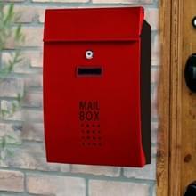 Residentiële voordeur buiten muur gemonteerde mailbox verticale Lock mailbox  stijl: wijn rode deur Black Box